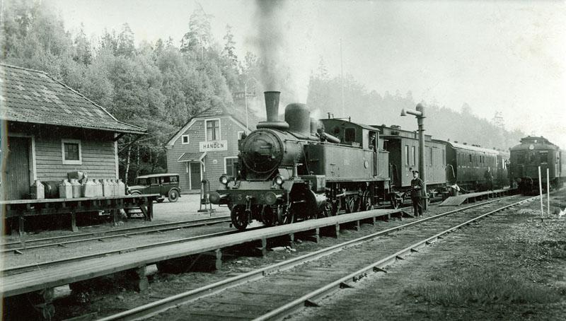 Handens Station